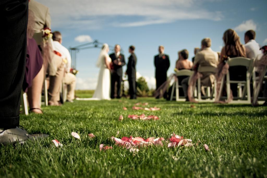 Wedding-ceremony-seating-ideas